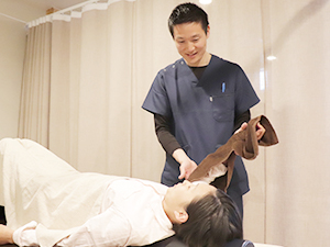 肩こり・頭痛施術写真